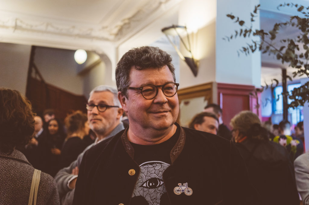 Prix Régine Deforges 2018 : Mahir Guven. Avec des photos de Léa Wiazemsky, Camille Deforges-Pauvert et Franck Spengler